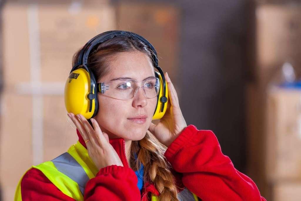 Dpi: le nuove norme armonizzate sui protettori acustici